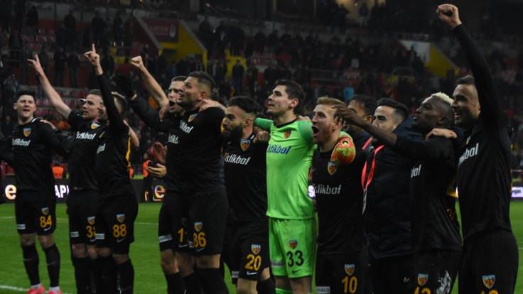 Kayserispor Mesanovic'le kazandı