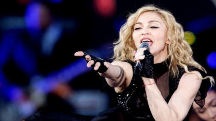 Madonna Paris konserini iptal etti