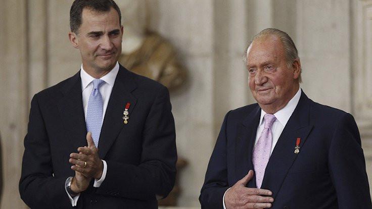 İspanya Kralı, babasının maaşını kesti