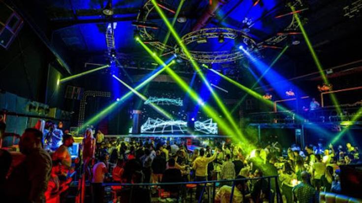 Bar ve gece kulüpleri kapatılıyor