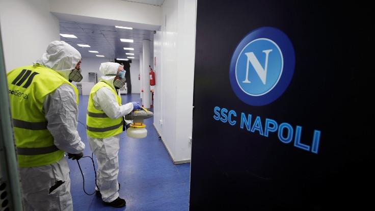 Napoli-Inter maçı korona virüsü nedeniyle ertelendi
