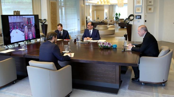 Erdoğan'dan infaz yasası toplantısı