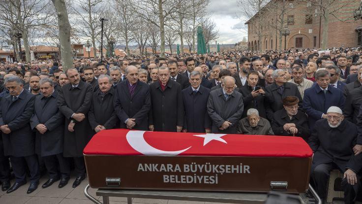 Erdoğan ve Gül, Kazan'ın cenazesinde buluştu