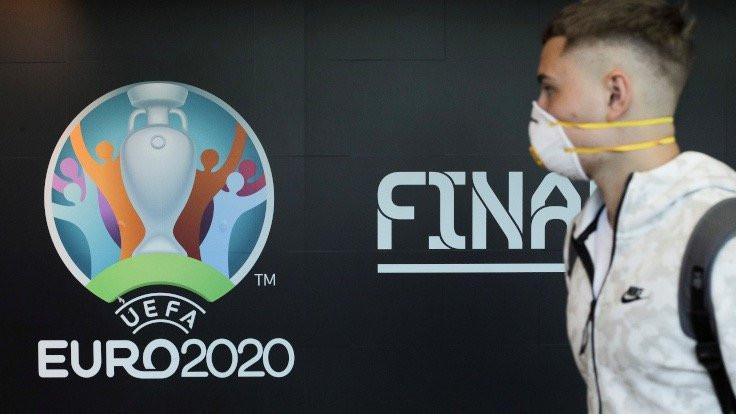 UEFA, virüs nedeniyle EURO 2020'yi erteledi