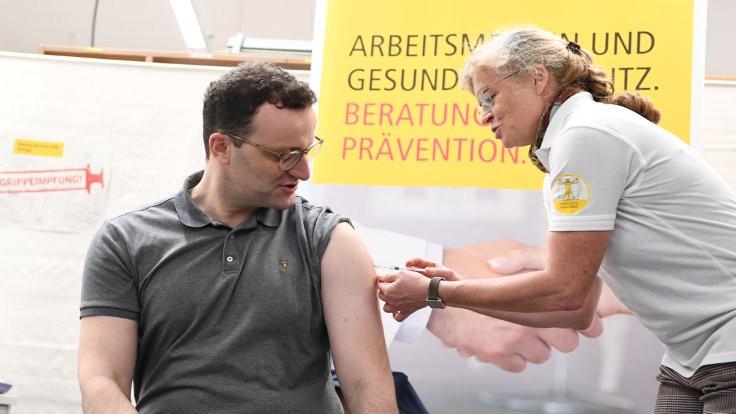 Almanya'da klinik aşı denemesine onay