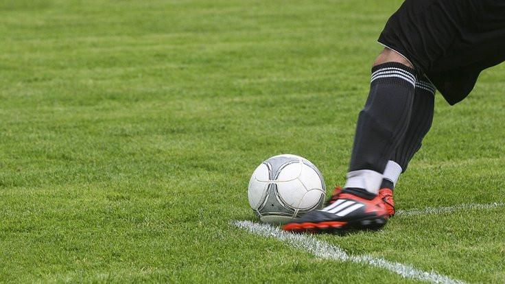 Korona futbolda kural değiştirtiyor