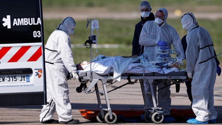 Fransa'da 833 kişi daha koronadan öldü