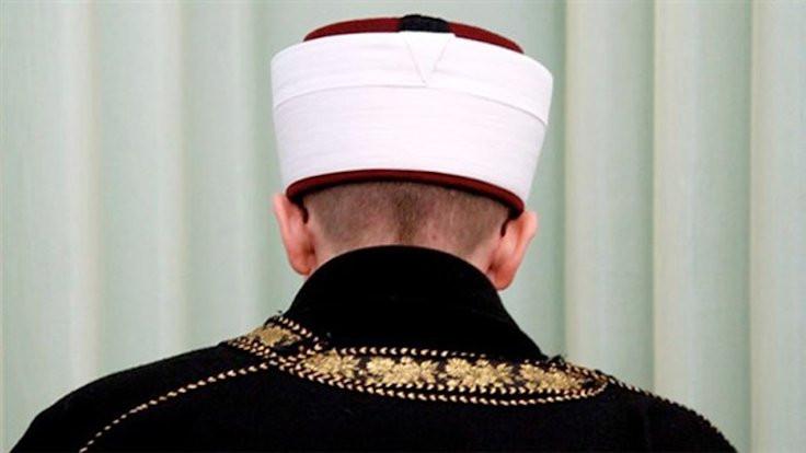 Hakaret eden imama ödül gibi ceza