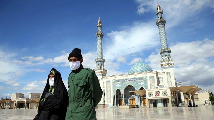 İran ramazana bir gün geç başlayacak