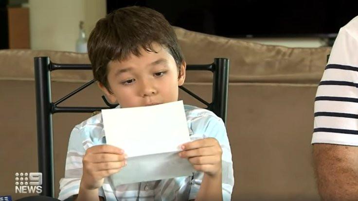 Tom Hanks'ten sekiz yaşındaki Corona'ya hediye