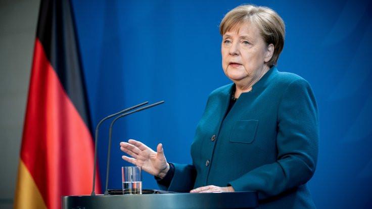 Merkel: Salgının daha başındayız