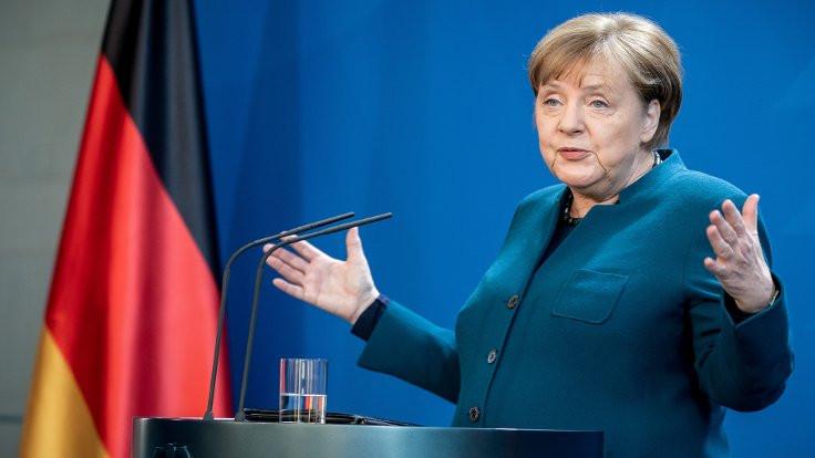 Merkel yerel seçimden açık zaferle çıktı