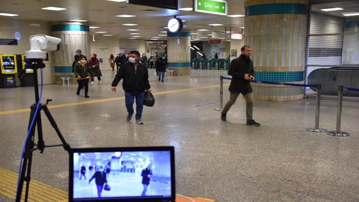İstanbul'da ateşi olan metroya binemeyecek