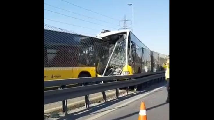Avcılar'da metrobüs kazası: Dört yaralı