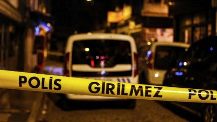 Sosyal mesafe uyarısı yapan çalışanlar bıçaklandı