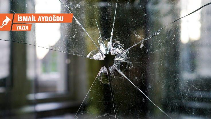 Düşünce özgürlüğü ve kırık camlar…