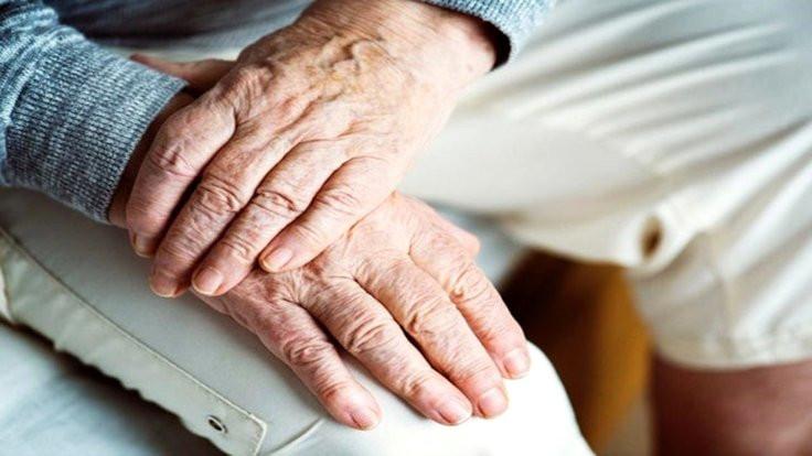 80 yaşındaki kişi 'hakaretten' karakola götürüldü