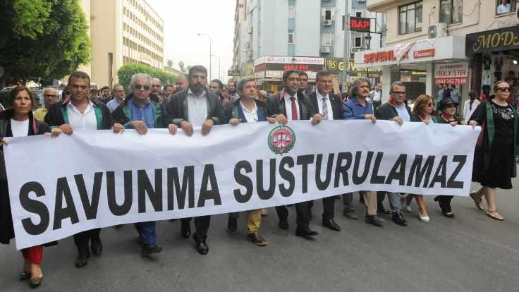 Hukukçular 'ruhsat gaspına karşı' bir araya geldi