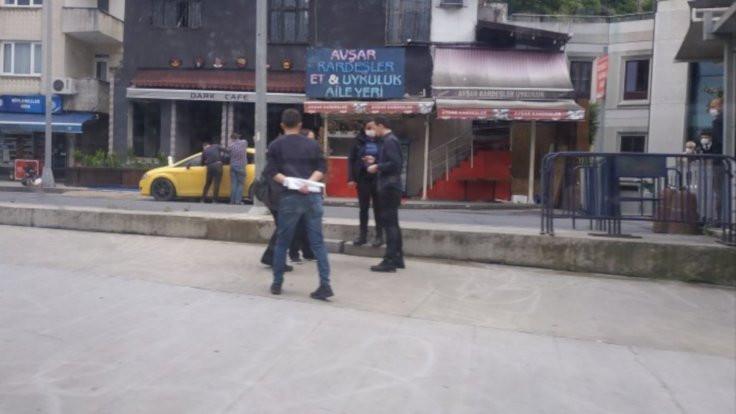 AK Parti önünde eylem yapanlara gözaltı