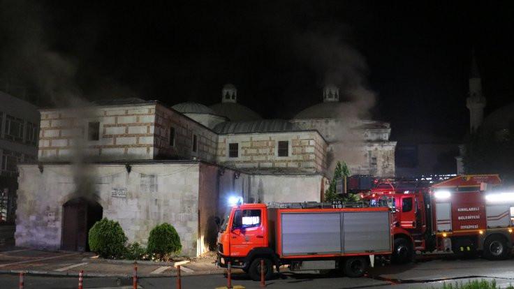 637 yıllık çarşıda yangın