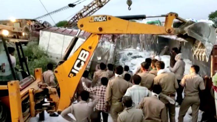 23 göçmen işçi kamyon kazasında öldü