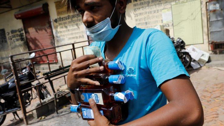 Hindistan'da alkole yüzde 70 'korona vergisi'