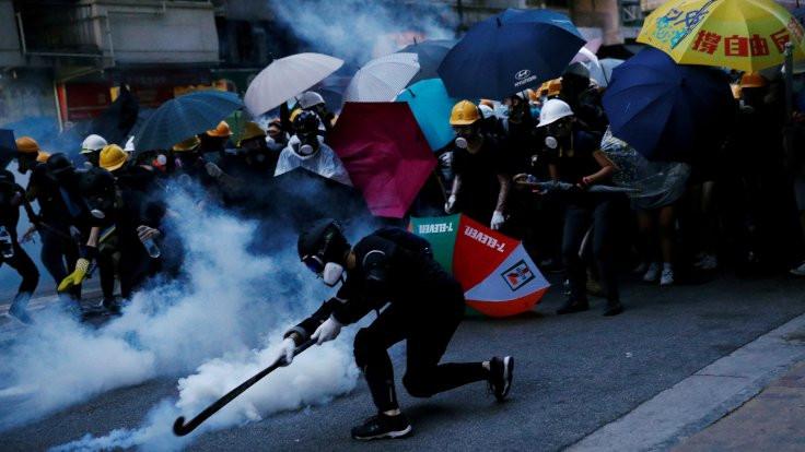 Hong Kong'da Çin'in yasa tasarısı protesto edildi