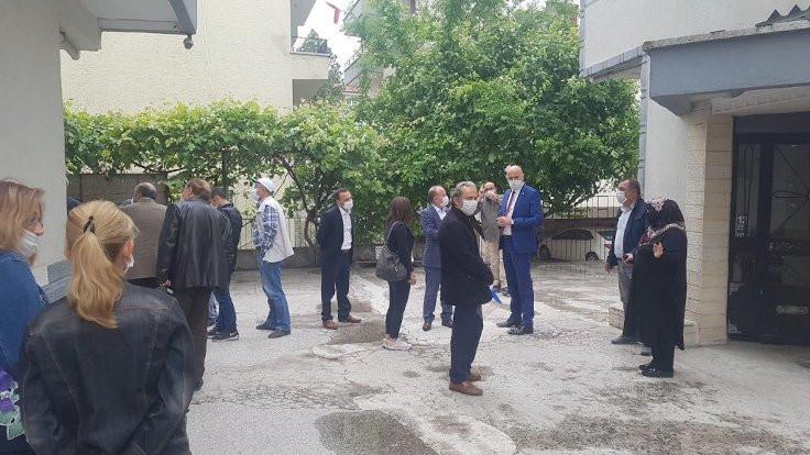 İYİ Parti: Çöp dökmeye çıkan gence bekçi dayağı