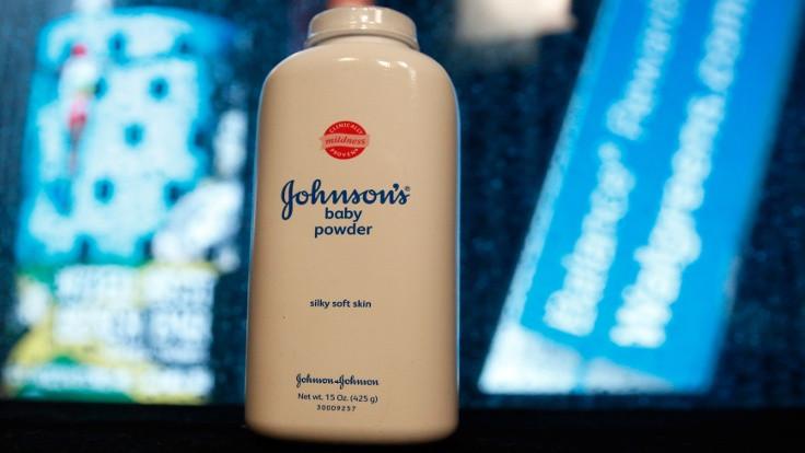 Johnson and Johnson, iki ülkede bebek pudrası satışını durdurdu