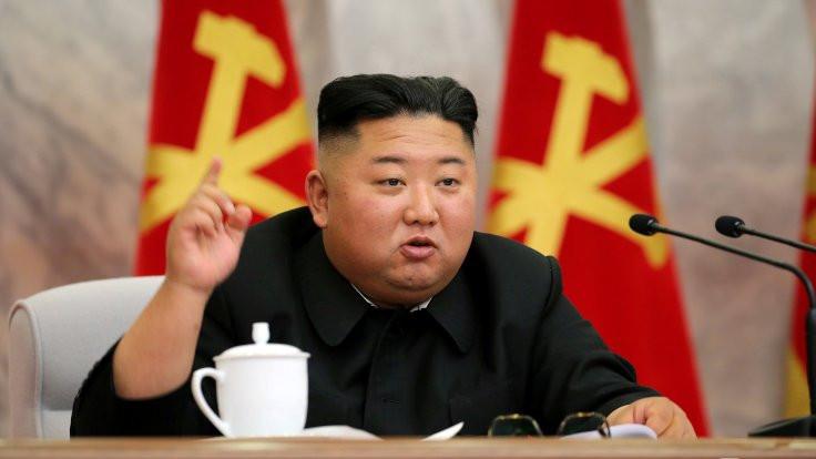 Kim Jong Un haftalar sonra kamuoyu önünde