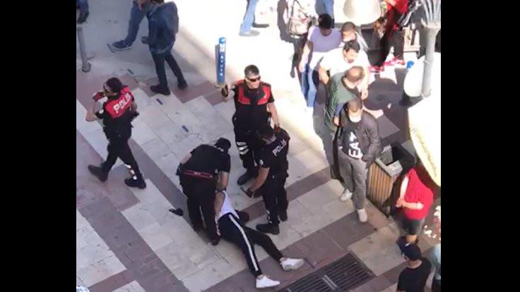 Maskesiz polisten 'maske' nedeniyle ters kelepçe