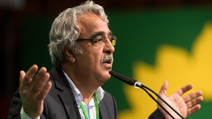 Mithat Sancar: Kayyım politikası Kürt düşmanlığının en açık örneği