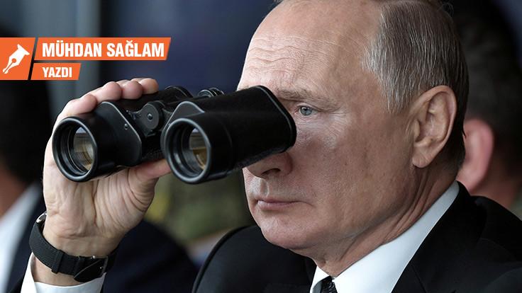 Kameraya el sallayın: Kremlin kimi gözetliyor?