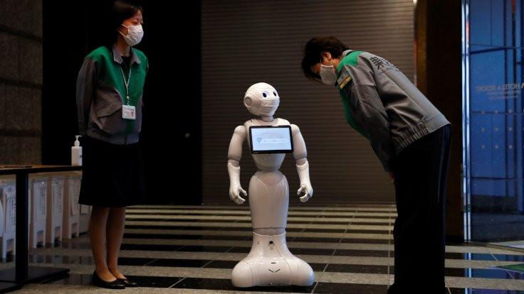 Hastalara robotlar yardımcı oluyor
