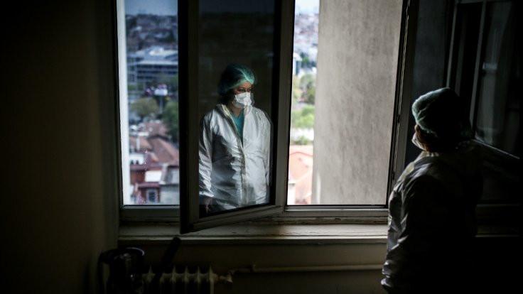 Enfekte sağlıkçı sayısı yükseldi