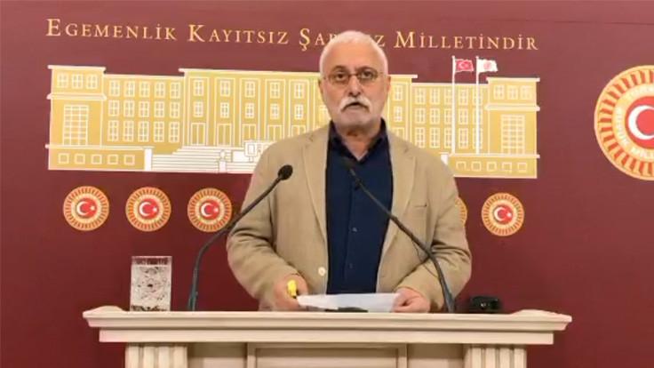 'Yassıada'da Menderes, Ankara'da Evren olunmaz'