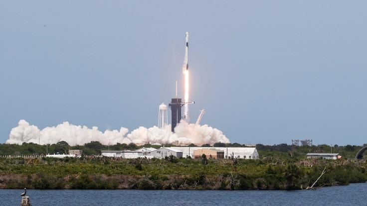 SpaceX: Crew Dragon uzay aracı fırlatıldı