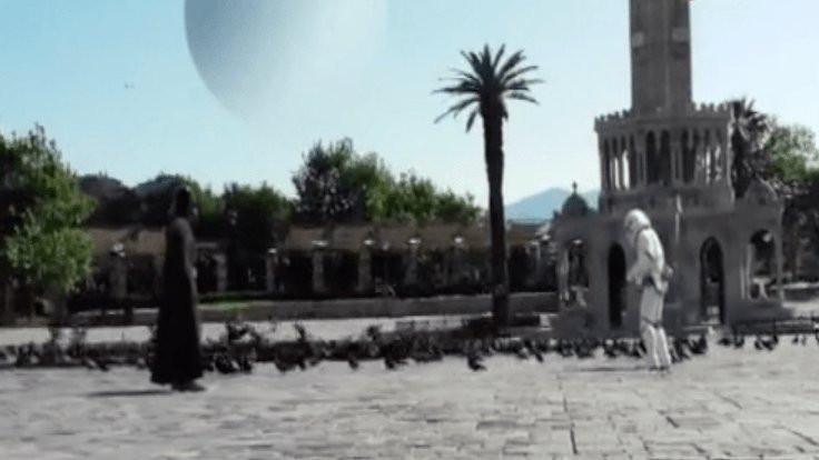Darth Vader İzmir'de güvercin besledi