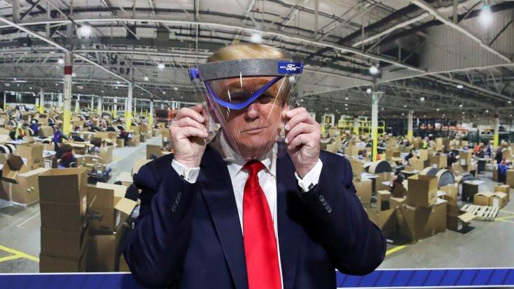Trump'tan gazeteciye: Maskeni indir