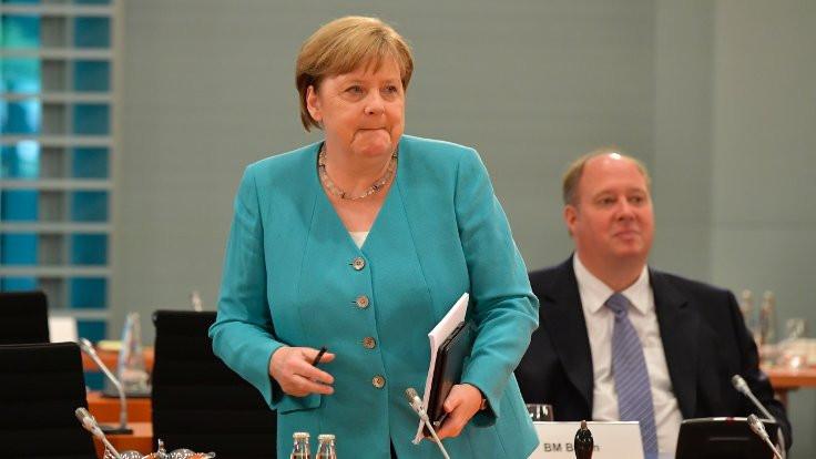Almanya'da bulaştırma katsayısı 2'nin üzerinde