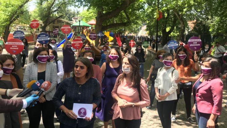 'Kadın Mücadelesi Her Yerde' kampanyası başladı