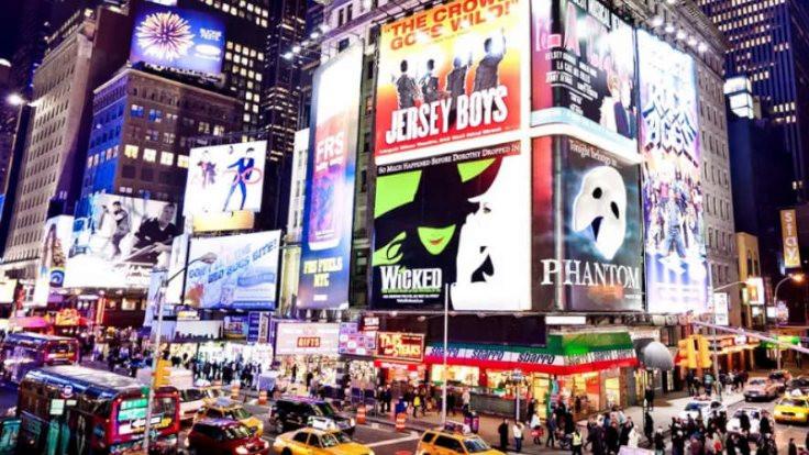 Broadway tiyatroları 2021 başına kadar kapalı kalacak