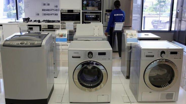 Oğlunu çamaşır makinesine kilitledi