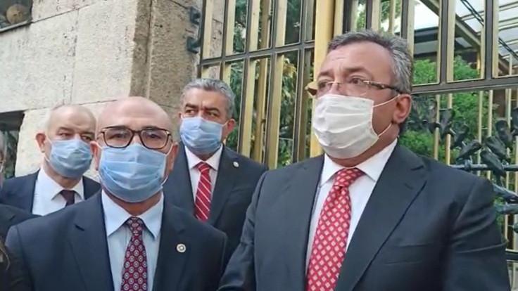 CHP, Şentop'un kapısına Anayasa bıraktı