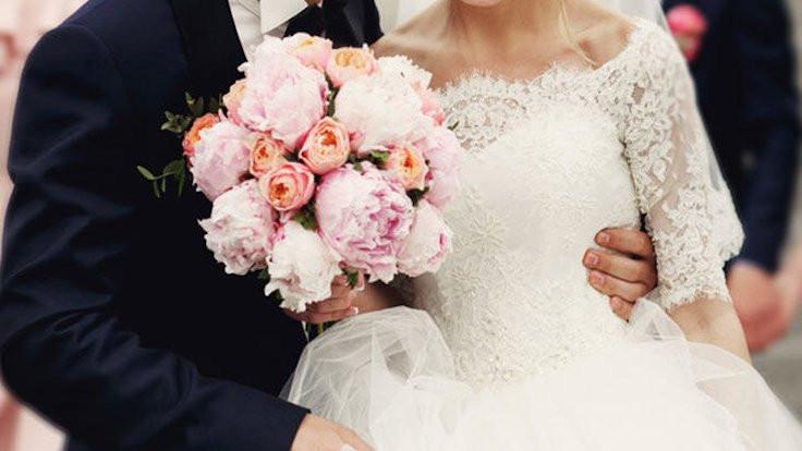 Düğün genelgesi: Tokalaşmak yok, halay yok