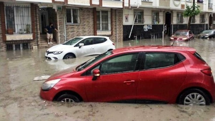 İstanbul'da sel bilançosu: 1 ölü, 8 yaralı