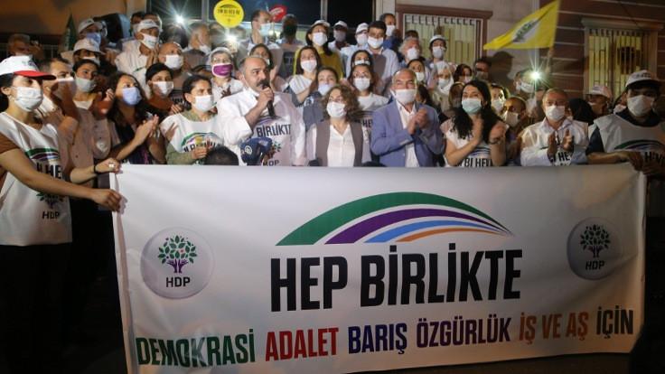 Sedat Şenoğlu: Bu yürüyüş özgürlük isteyen bütün güçlere bir çağrıdır