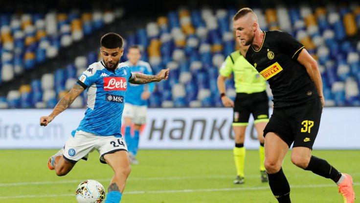 Napoli finale yükseldi