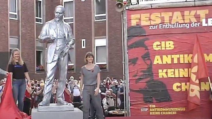 Almanya'da Lenin heykeli açıldı