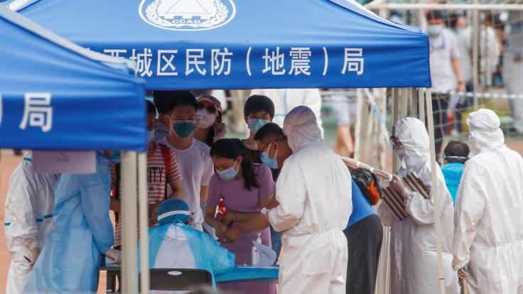 Pekin'de ikinci dalga: 'Bu salgın daha bulaşıcı'